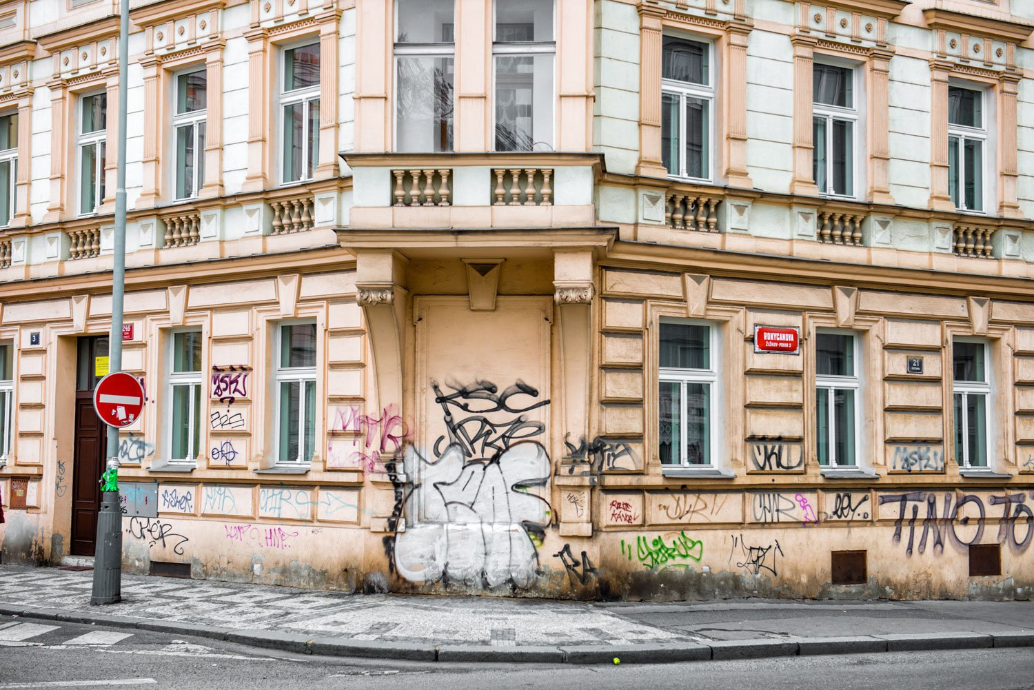 Graffitied building